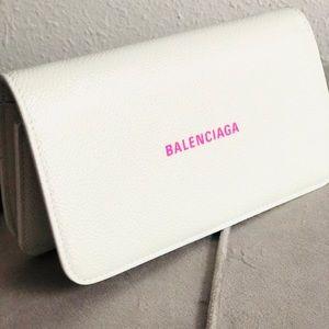Balenciaga Pink & White💗 HOST PICK💗